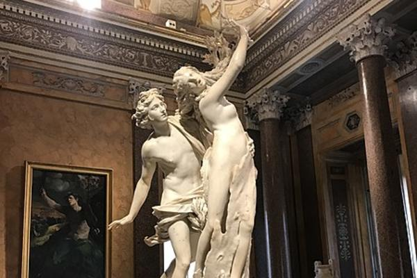450px berninis apollo and daphne statue