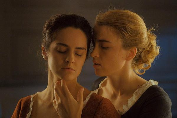 Still from the film 'Portrait of a Lady on Fire' featuring Marianne and Héloïse