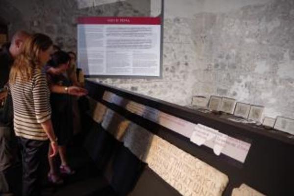sicilian epigraphy exhibition jonathan prag