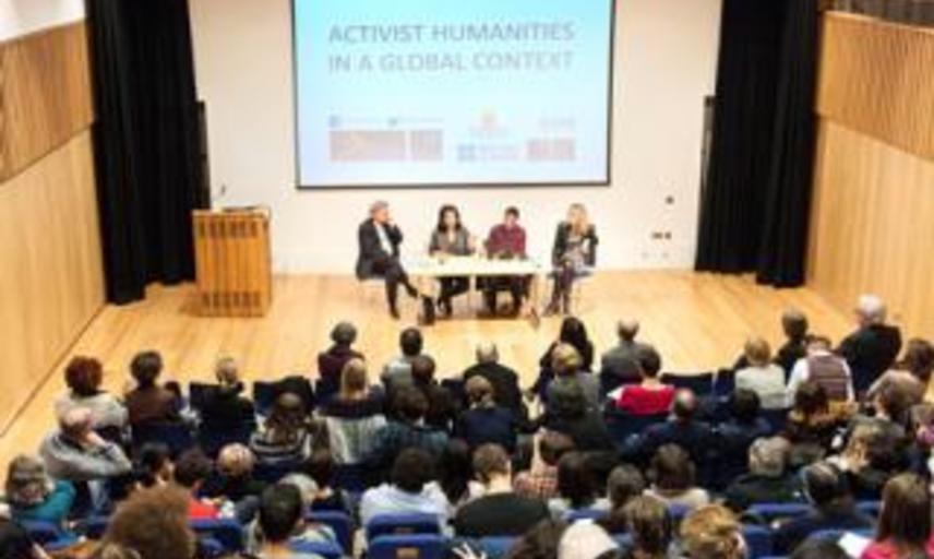activist hums audience