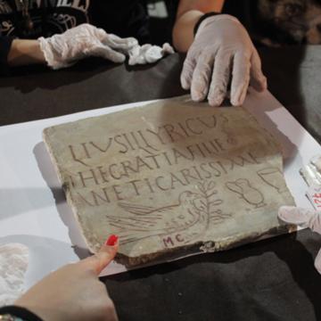 Exploring Sicilian Epigraphy in Scilian Museums with Sicilian Schools